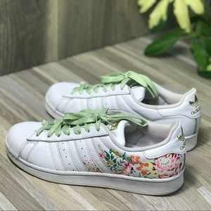 Adidas Women's Sneakers White Flowers AUTHENTIC